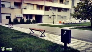 Klupa pogodna za stambene blokove i parkove